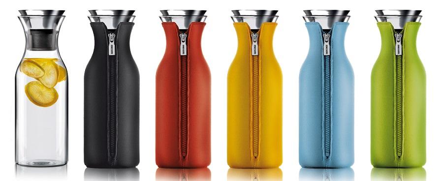 Графин Fridge для горячих и холодных напитков в неопреновом текстурном чехле, 1 л, черный, Eva Solo